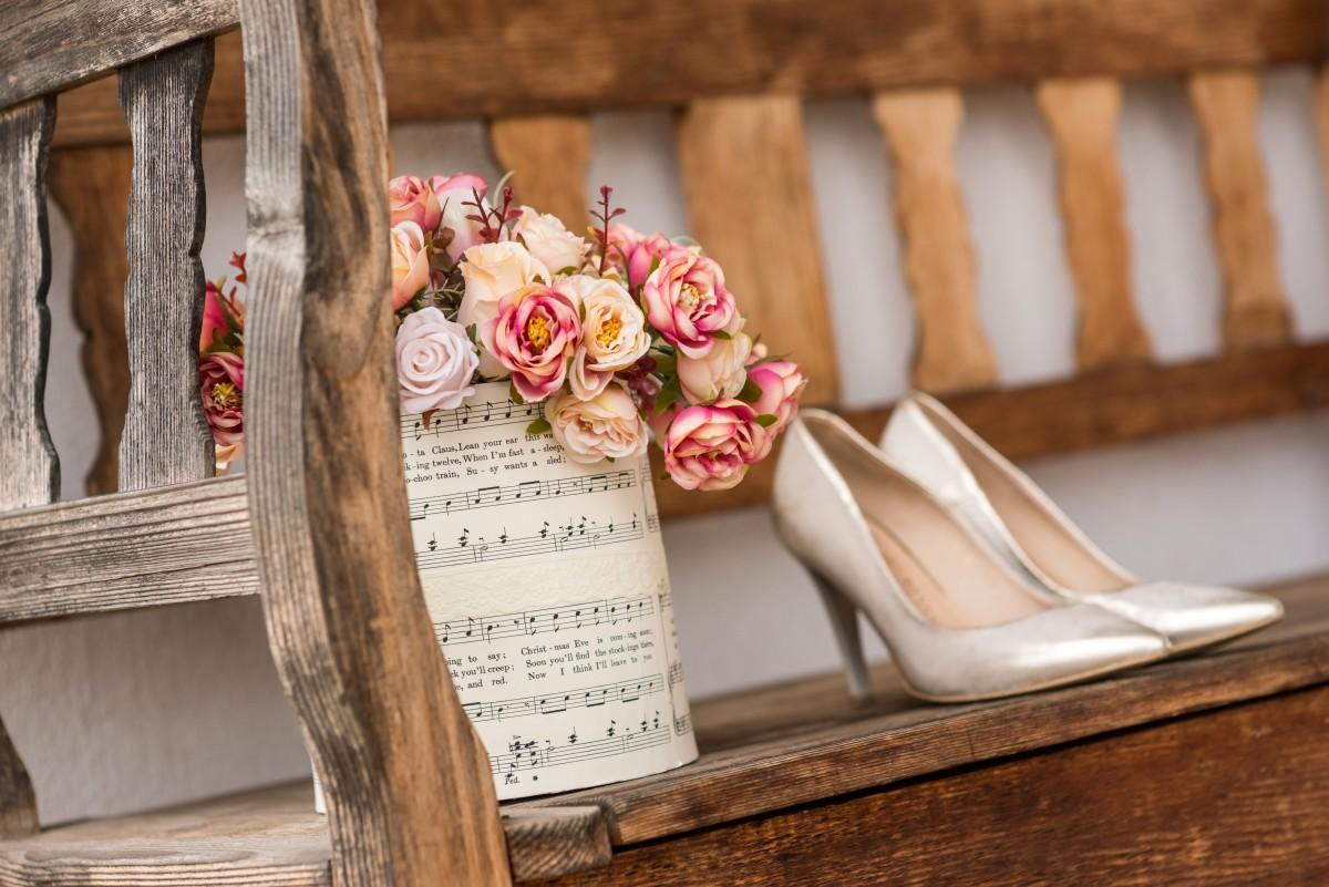 48c330ea89 Vintage esküvő helyszín varázslatos Shabby Chic stílusban